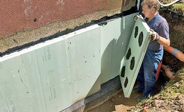 Как правильно утеплить фундамент частного дома пеноплексом своими руками?