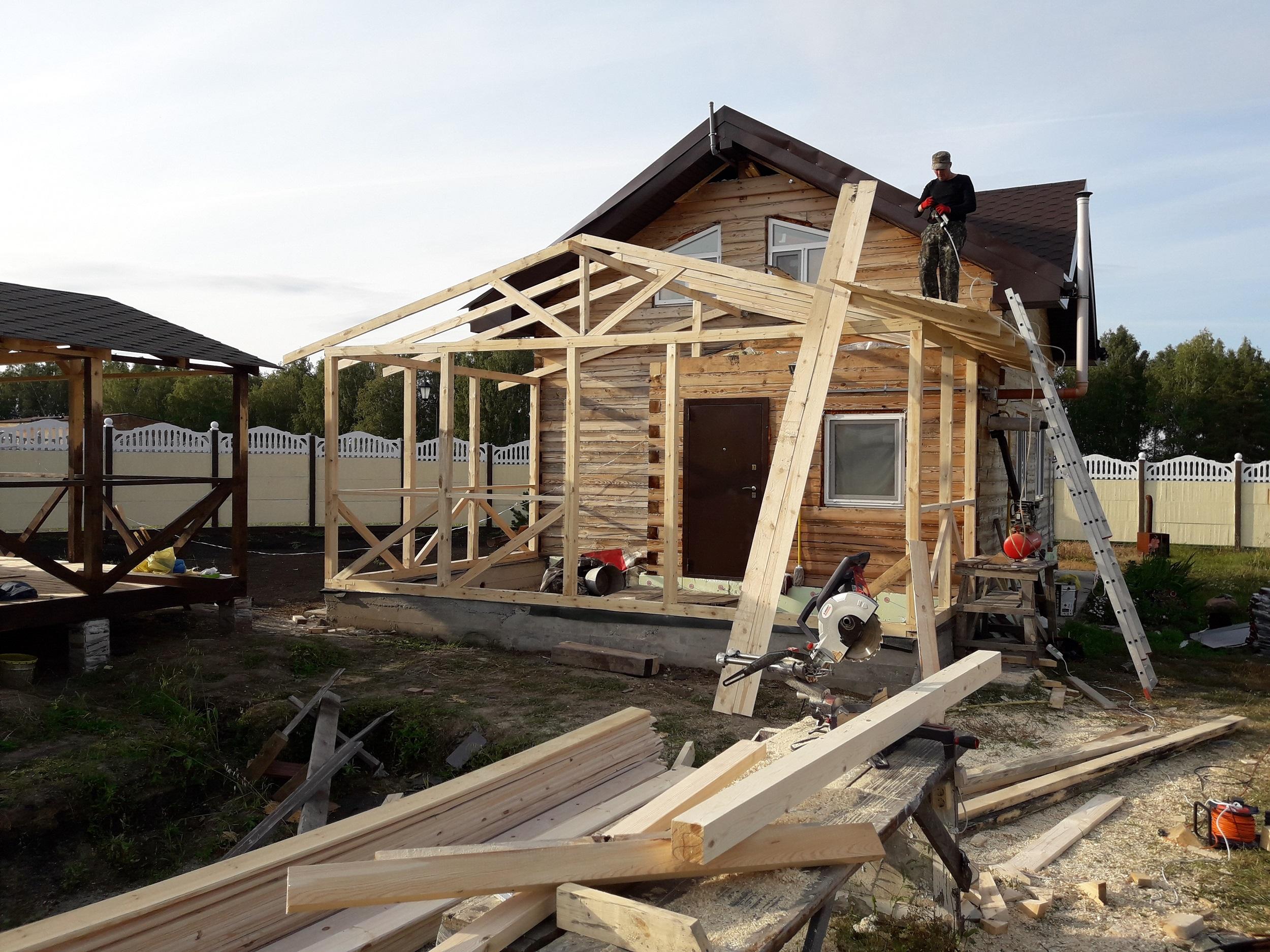 Беседка пристроенная к бане с односкатной крышей