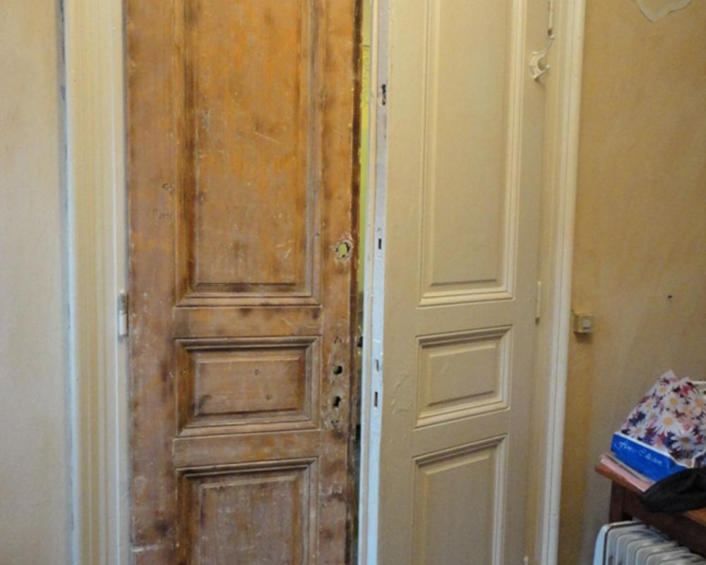Покраска деревянных дверей: чем и как покрасить старые двери из дерева в квартире