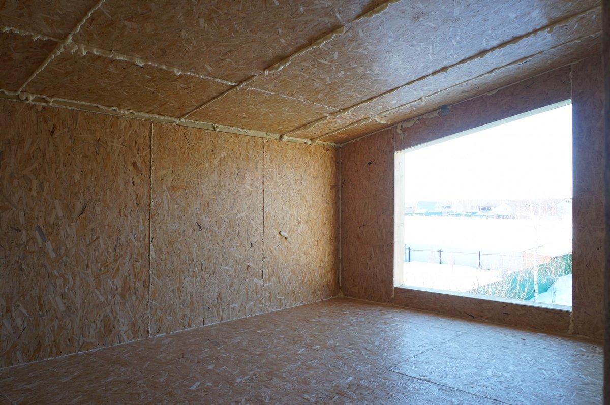 Внутренняя отделка дома из сип-панелей: стены, потолок, монтаж дверей и лестниц, советы по выбору отделочных материалов