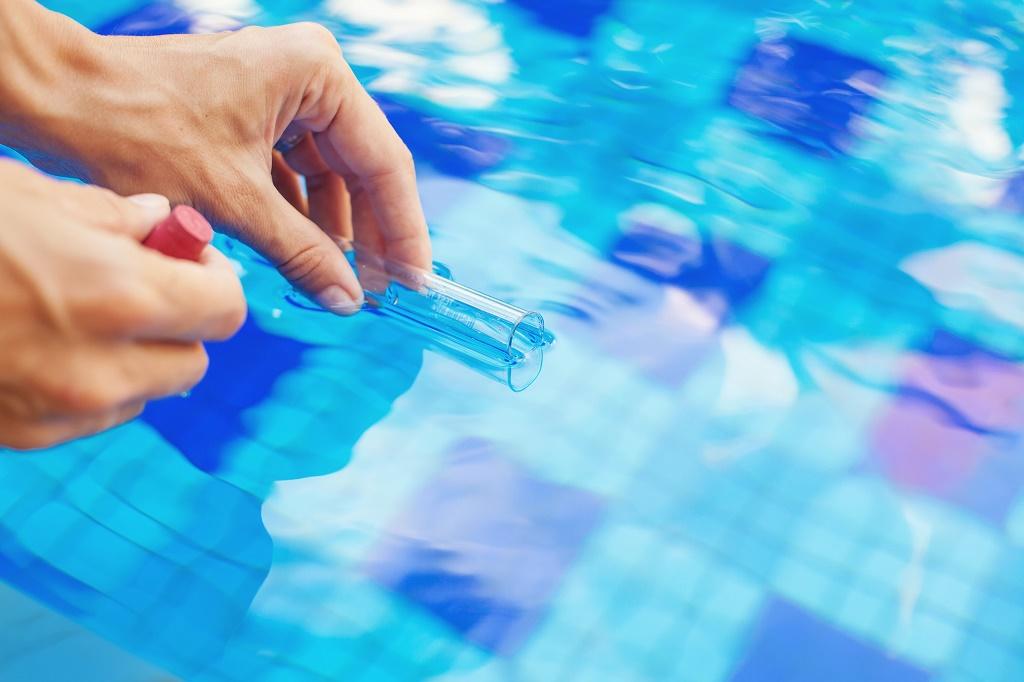 Дезинфекция воды в бассейне