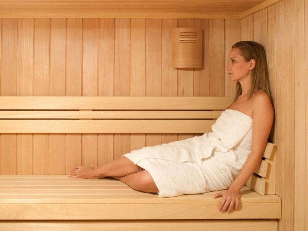 Чем полезна баня для мужчин и женщин, а также противопоказания