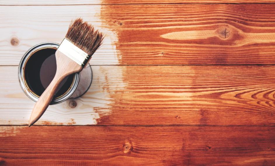 Секреты окрашивания древесины — виды красок и технология нанесения