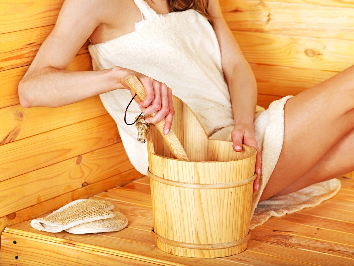 Как правильно париться в бане для здоровья женщинам, используя косметику