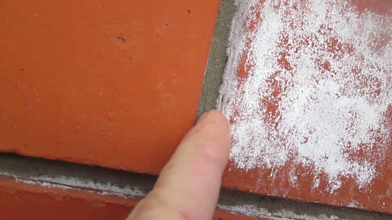 Как убрать высолы на кирпичной кладке или тротуарной плитки