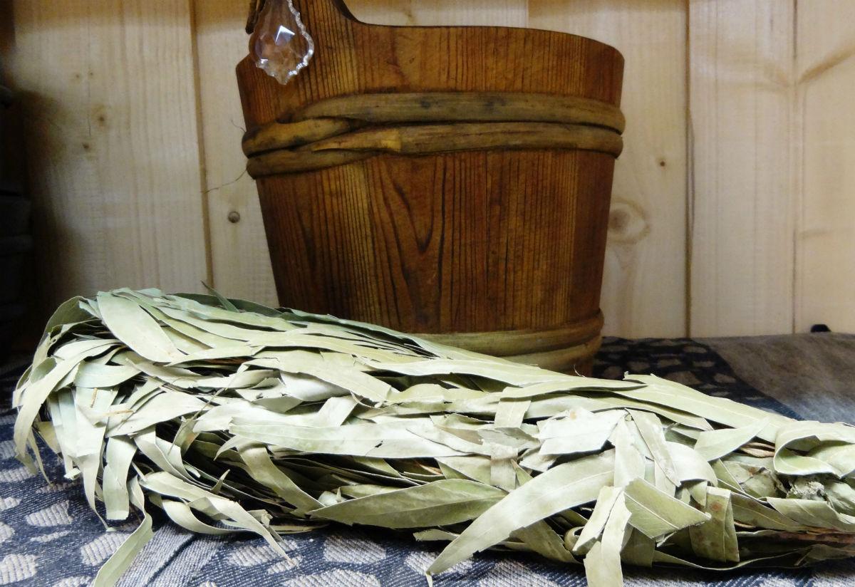 Как запарить эвкалиптовые веники и пользоваться ими?