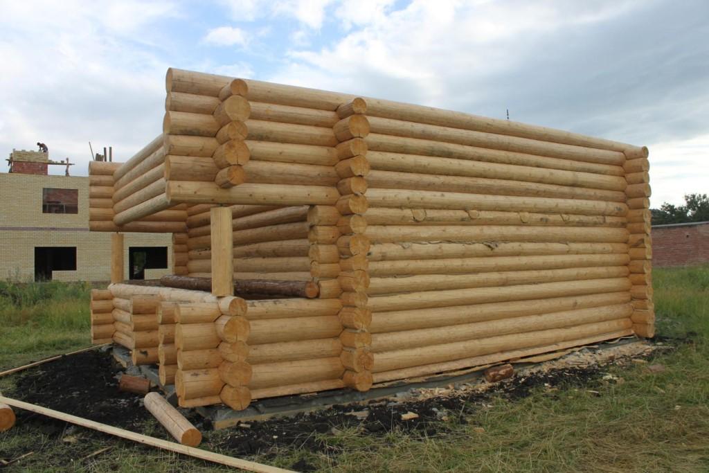 Материалы для строительства бани: подбор составляющих несущих конструкций
