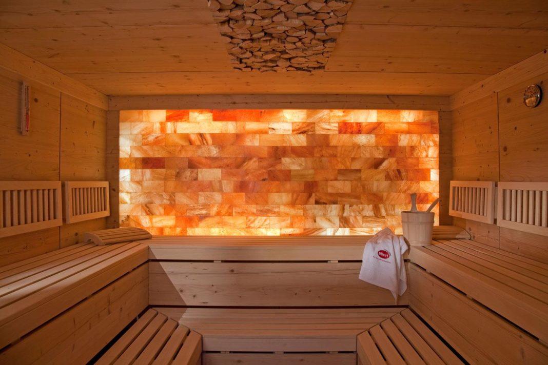 Как и для чего используют розовую гималайскую соль в бане