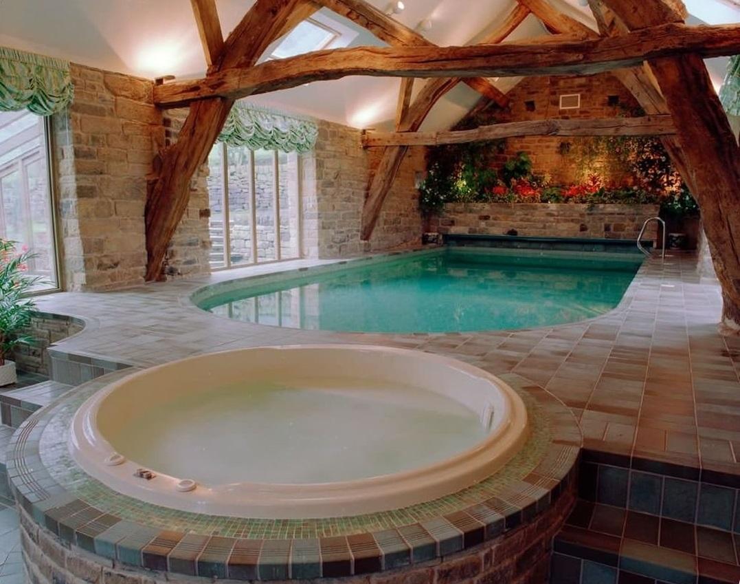 Проект бани из пеноблока с бассейном: видео-инструкция по монтажу своими руками, особенности помещения, включающего мансарду, комнату отдыха, фото