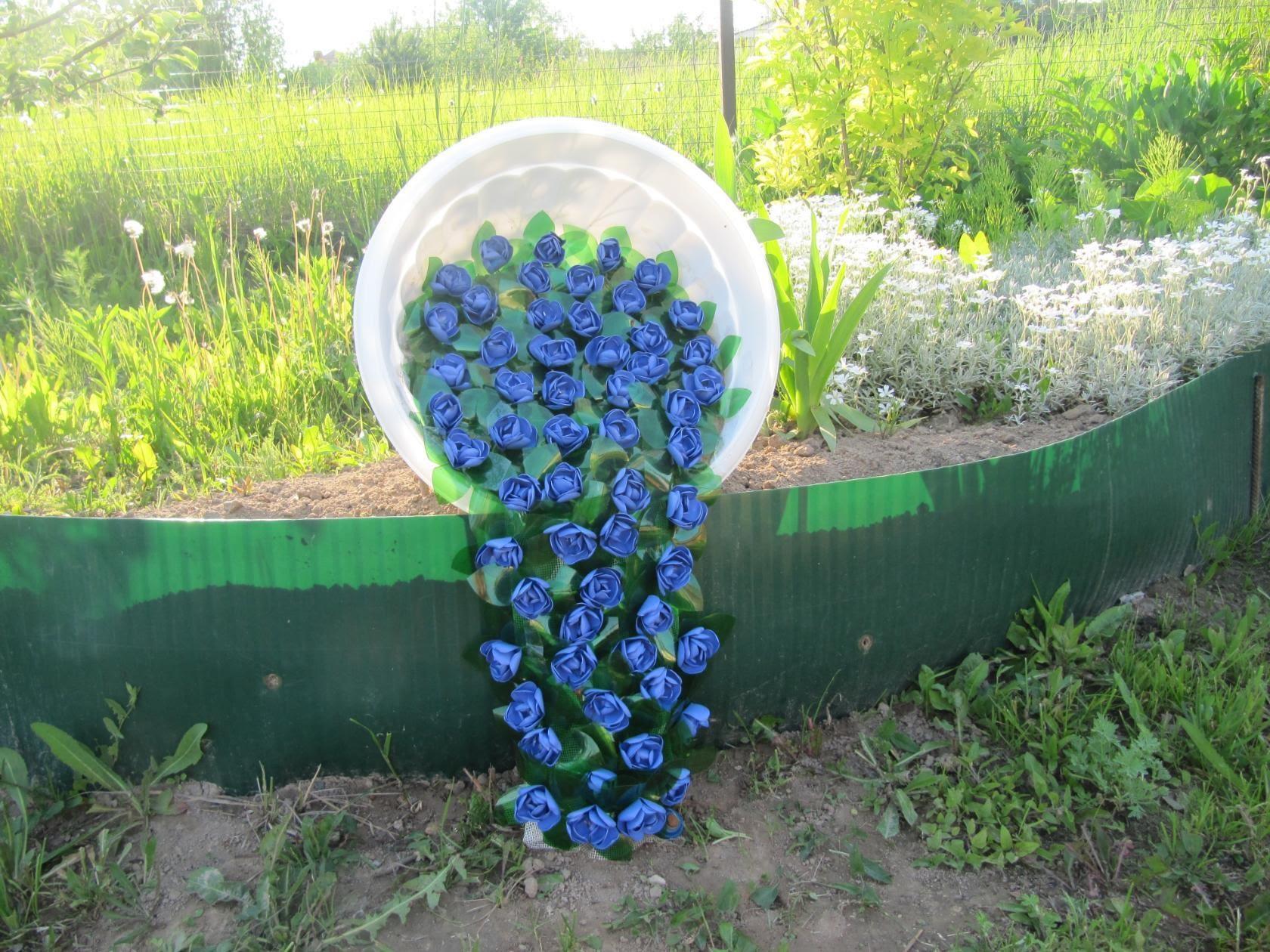 Практичный водосток из пластиковых бутылок