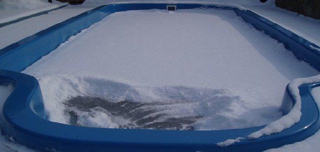 Можно ли оставить каркасный бассейн на зиму без воды. зимовка каркасного бассейна с водой на улице. можно ли оставлять каркасный бассейн на зиму наполненным?