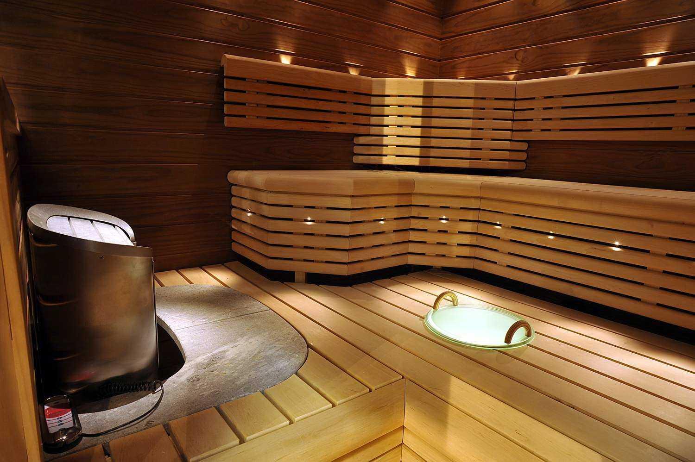Светильники для парной - нужно ли, чтобы для парилки в баню ставились термостойкие и прочие подробности, как выбрать, сделать, установить
