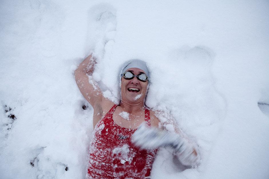 Снег после бани: за и против