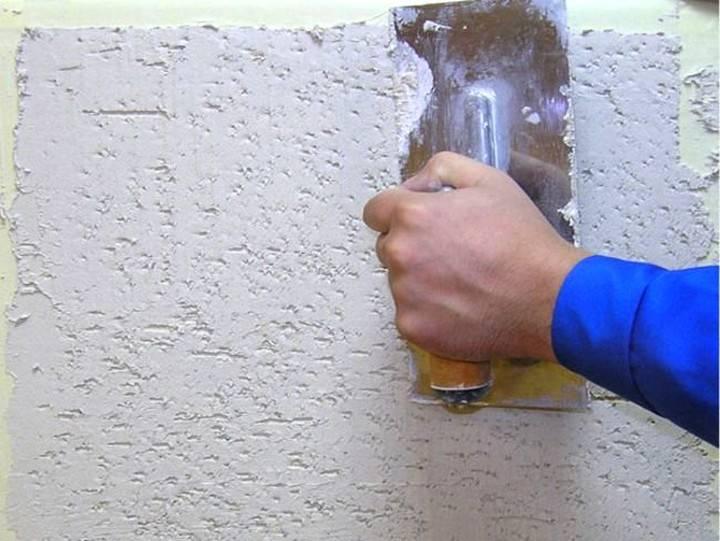 Отделка дома фасадной штукатуркой короед своими руками