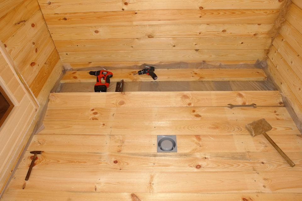 Гидроизоляция деревянного пола в бане  несколько способов - варианты пола