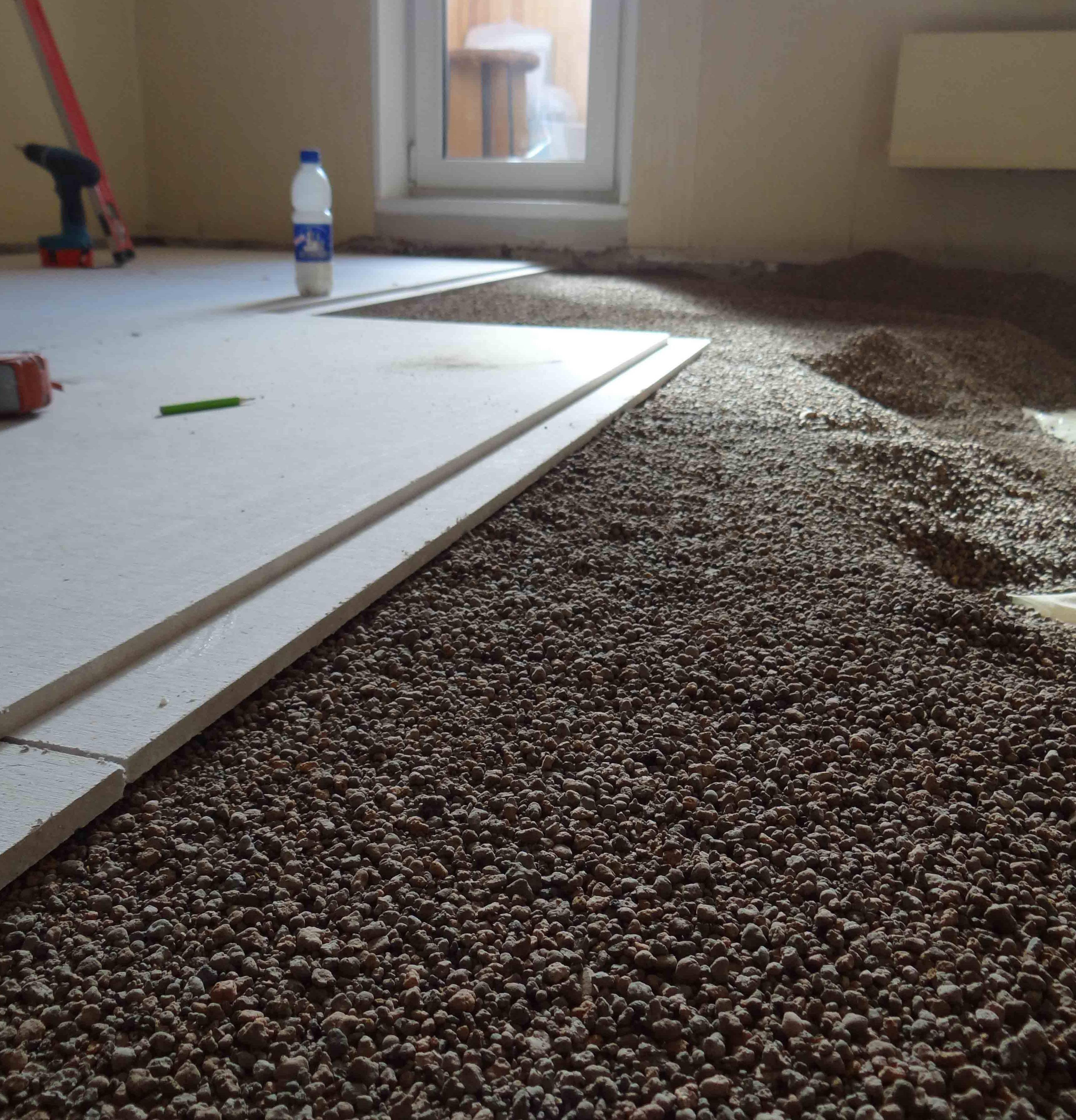 Плюсы и минусы сухой стяжки пола: готовим поверхность к финишному покрытию