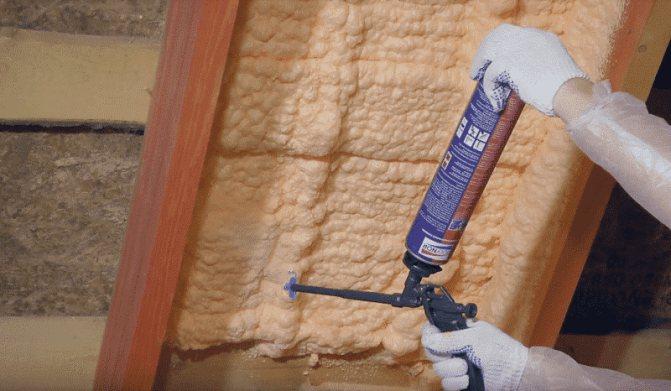 Сколько сохнет монтажная пена: как долго застывает, время застывания в квартире при монтаже окон и затвердевание при установке дверей