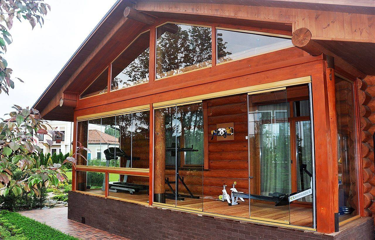 Бани с верандой (57 фото): проекты, под одной крышей и с пристроенной, с комнатой отдыха и барбекю, каркасные и другие бани