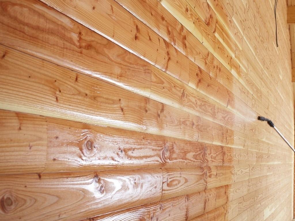 Чем обработать баню внутри от влаги и гниения?