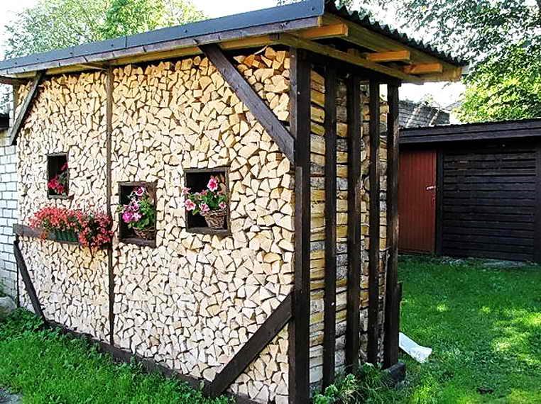 100 лучших идей: поленница (дровяник) в доме и на даче на фото