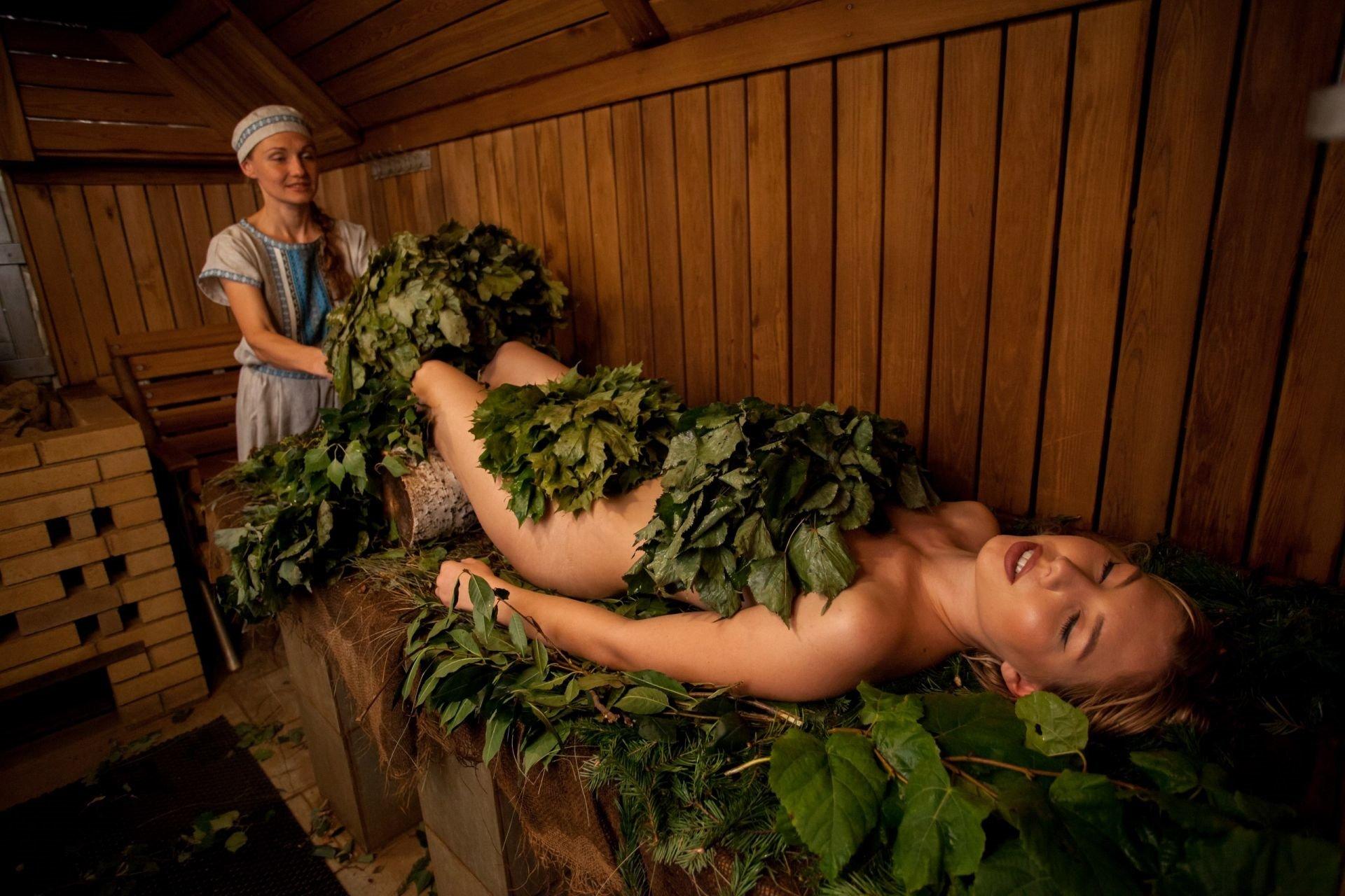 Как париться в бане с женщинами