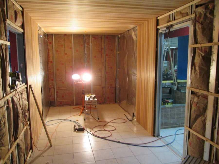 Электропроводка в бане – правила безопасности и технология монтажа