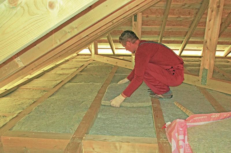 Чем утеплить крышу бани — утепляем своими руками