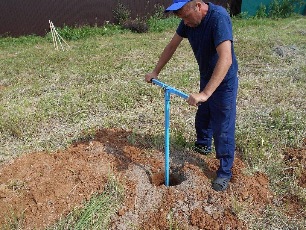 Чтобы добыть воду на своём участке, можно скважину пробурить самодельным оборудованием