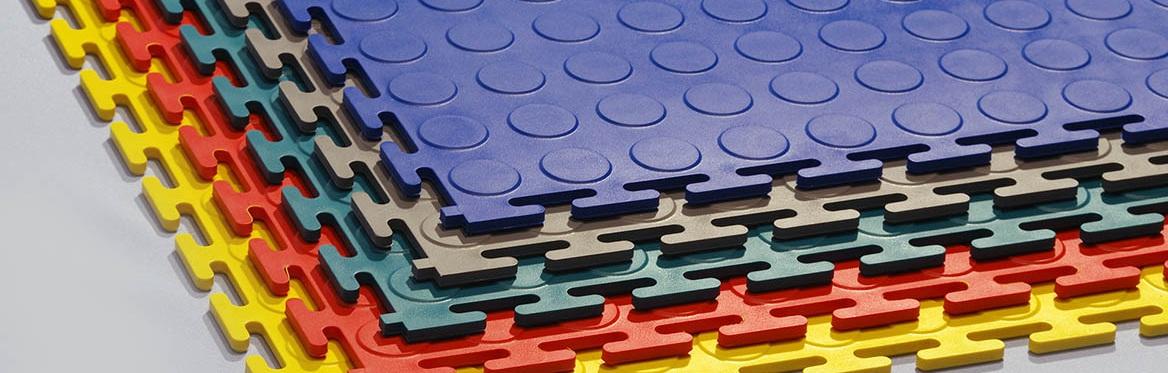 Напольная плитка из пвх или резиновое напольное покрытие: весомые аргументы для правильного выбора