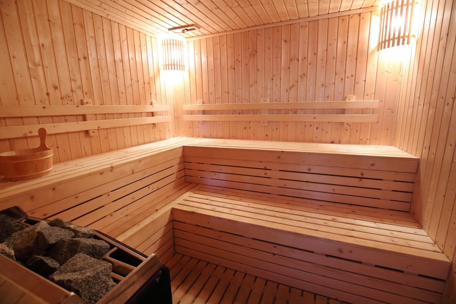Все о полочках в баню: легкая угловая или настенная полочка для шампуня и мыла в моечной – из чего ее лучше делать и чем покрывать