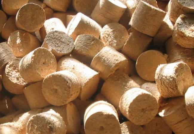 Брикеты для топки печи: состав, виды, плюсы и минусы