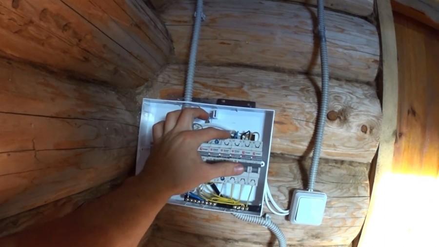 Безопасная электропроводка в бане и как сделать ее своими руками