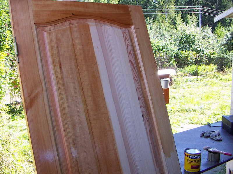 Покраска деревянных дверей: входных и межккомнатных своими руками