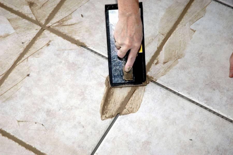 Укладка плитки на деревянный пол: основные правила