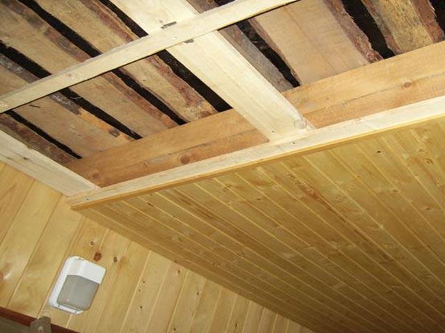 Важные рекомендации по утеплению потолка в бане