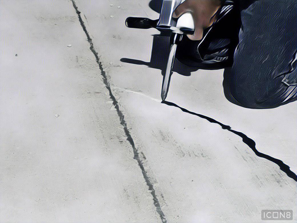 Ремонт стяжки пола: как заделать трещины, выбоины и остановить расслоения?