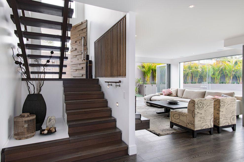 Дизайн лестницы на второй этаж в частном доме +100 фото примеров