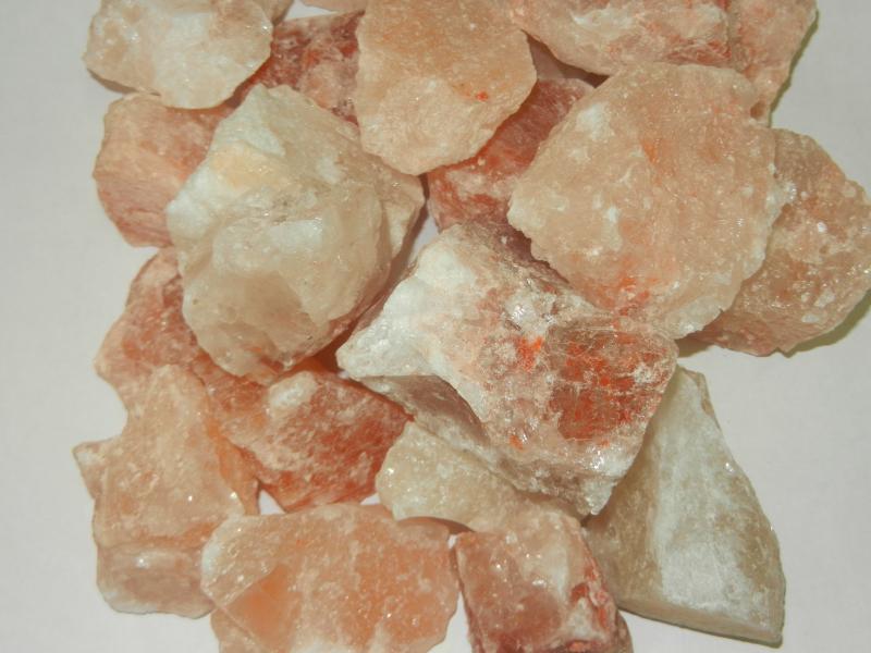 Соль для бани: как использовать в парилке сауны, каменная и морская соль, их польза и вред, выбор на камни и стены, для чего нужна