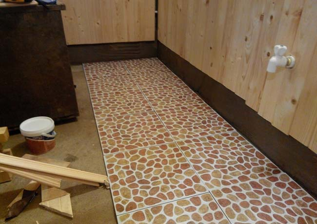 Покраска бани: как и чем покрасить котел, дверь, бак, полок, потолок, стены, пол, печь в бане из бруса, кирпича, блоков, варианты и решения, каким цветом покрасить; подробности