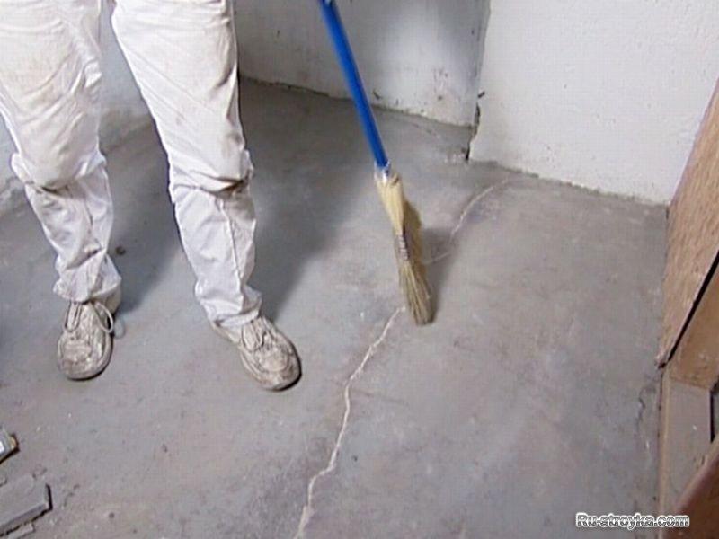 Трещины на стяжке пола - причины возникновения и актуальность ремонта