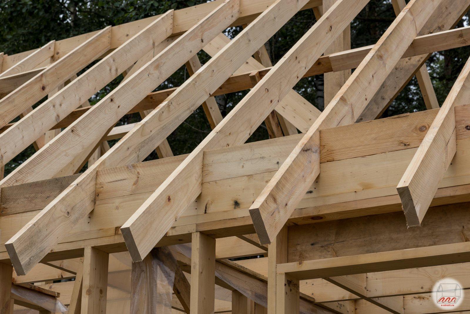 Стропила на баню: как сделать для двускатной крыши?