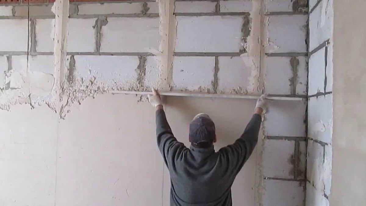 Выравнивание стен под обои: материалы, инструменты, смеси