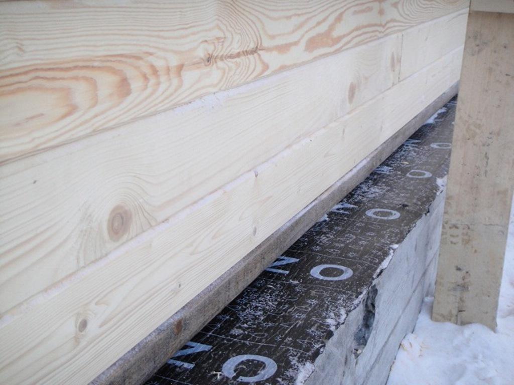 Что лучше класть между брусом для уплотнения зазоров - блог о строительстве