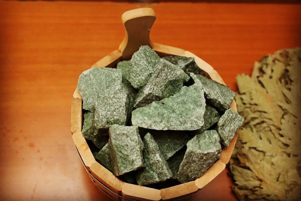 Выбор камней для бани и каменки: виды, названия, гранит, яшма, базальт, родингит, долерит, хромит, перидотит