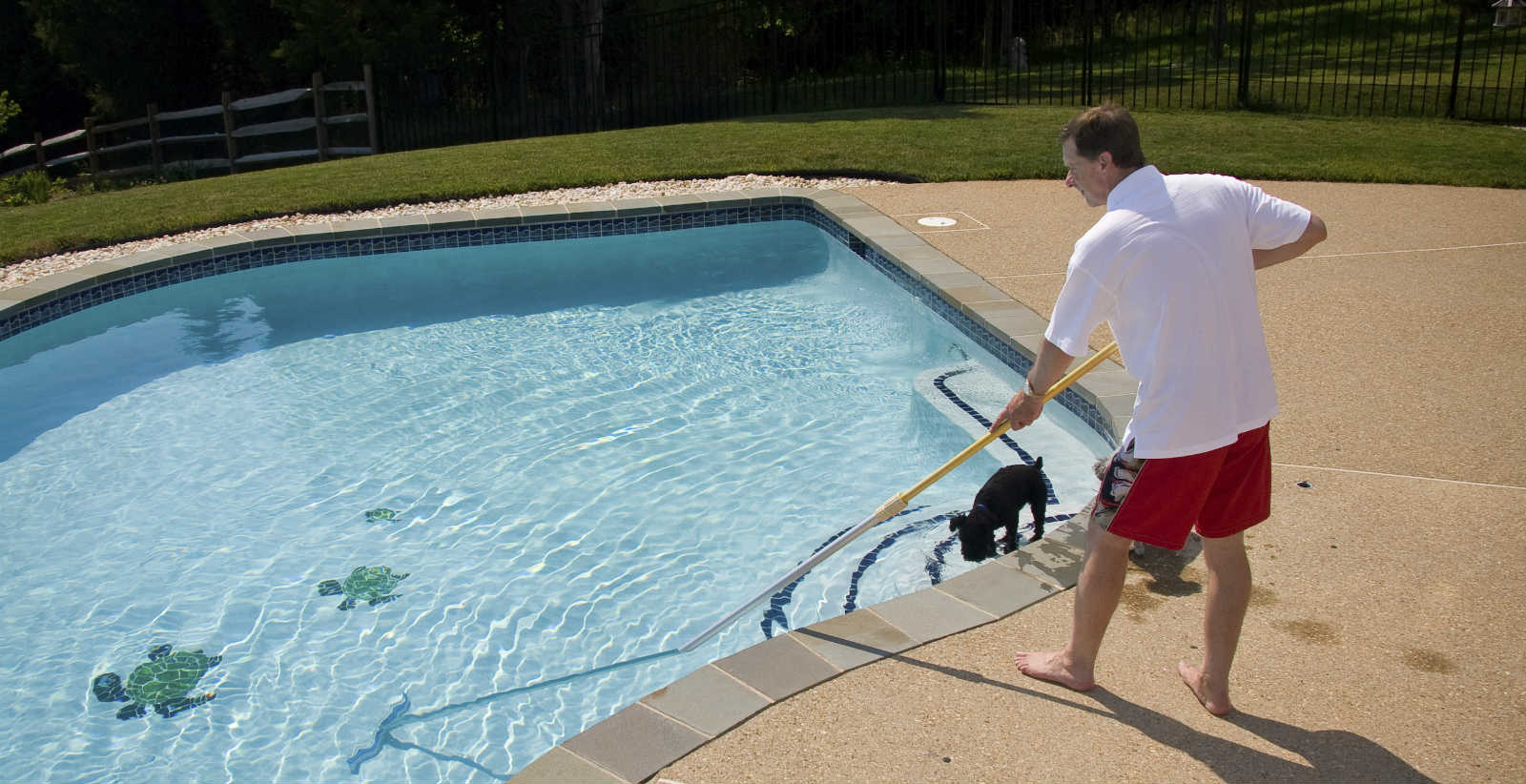 Чем и как чистить каркасный бассейн своими руками