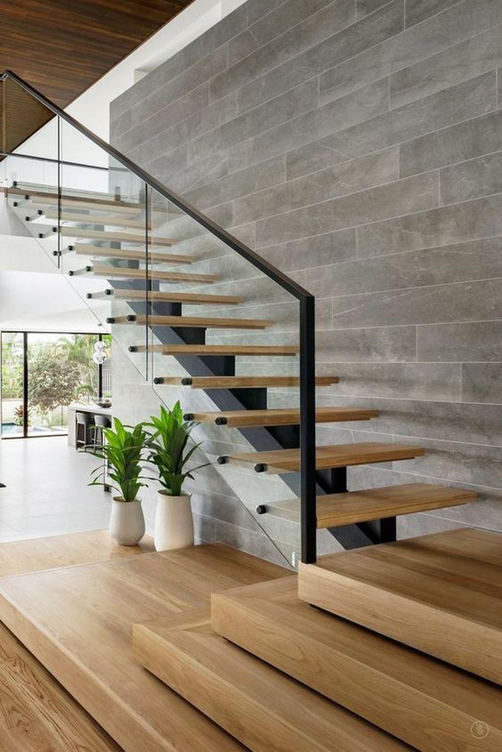 Лестницы в интерьере: выбор конструкции и дизайнерские идеи оформления