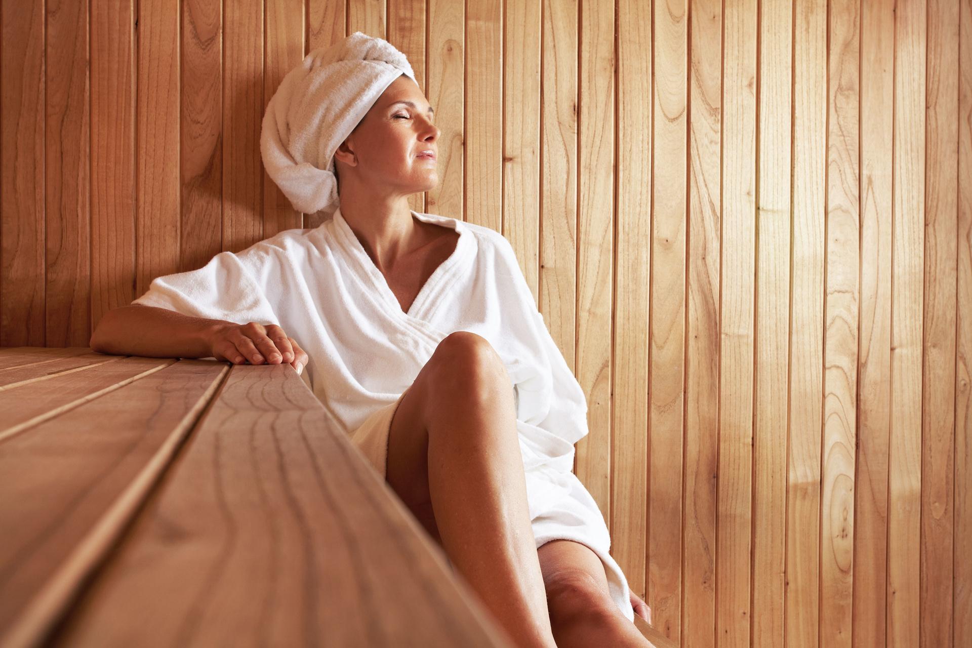 Головная боль после бани — почему возникает, и как ее избежать?