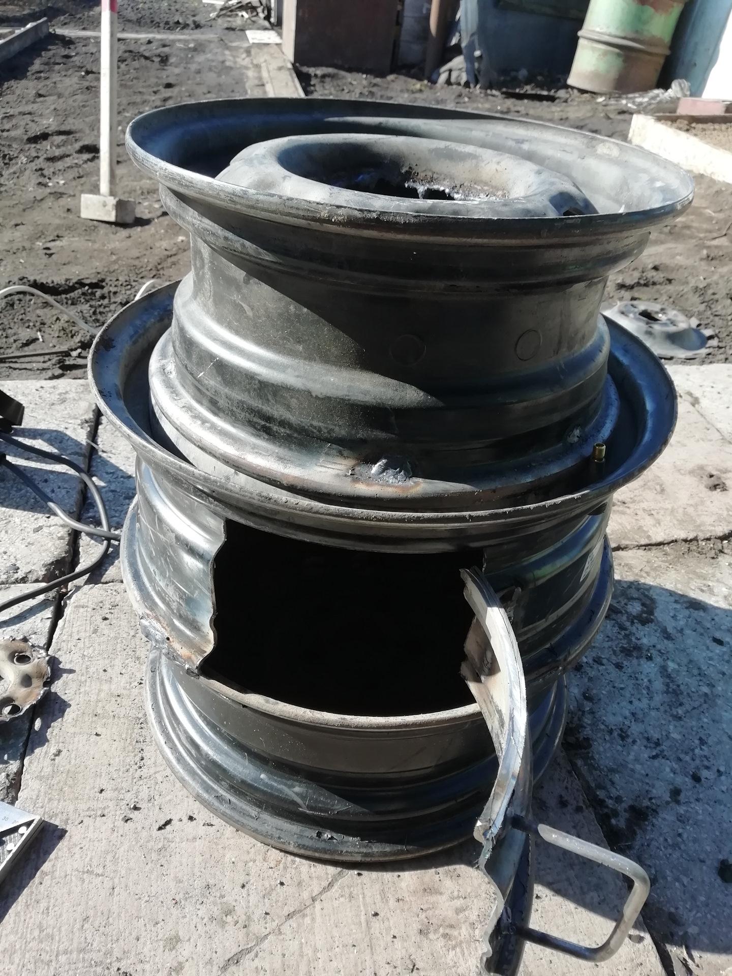 Печь из старых колёсных дисков