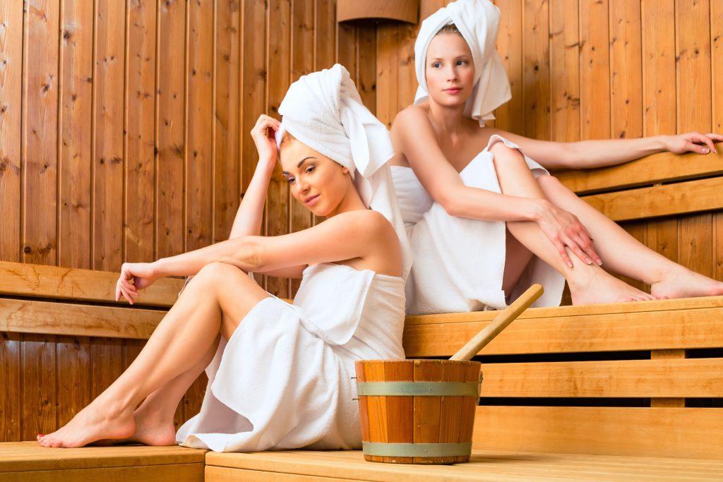Можно ли ходить париться в баню во время месячных