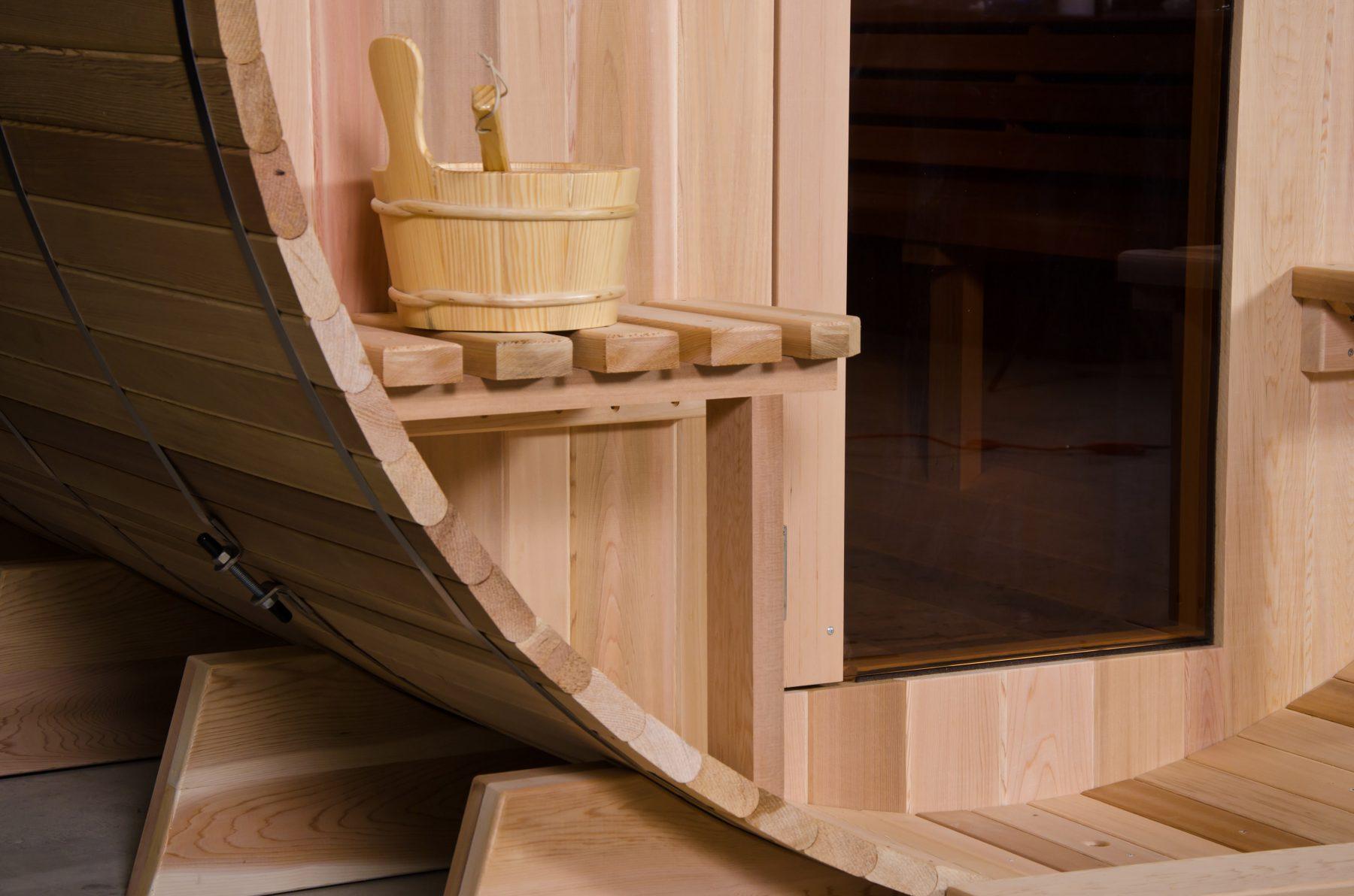 Как построить баню-бочку своими руками